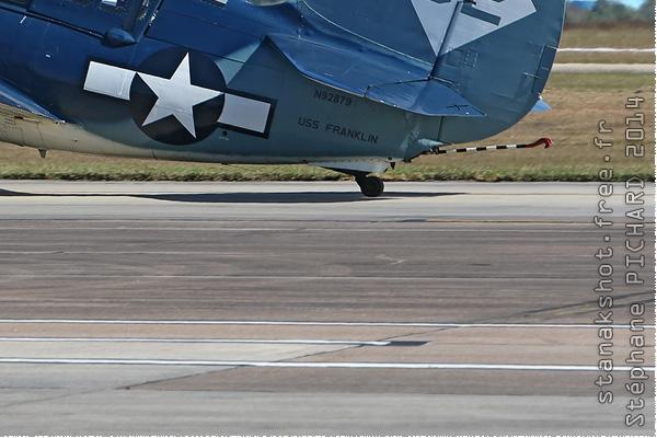 Photo#8050-4-Curtiss SB2C-5 Helldiver