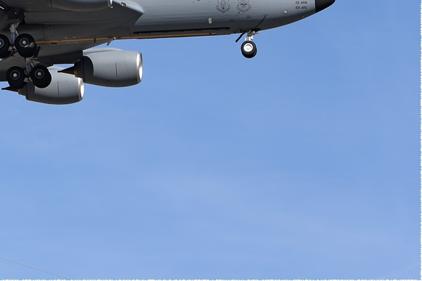 Photo#8137-4-Boeing KC-135R Stratotanker
