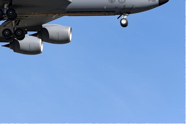 Photo#8139-4-Boeing KC-135R Stratotanker