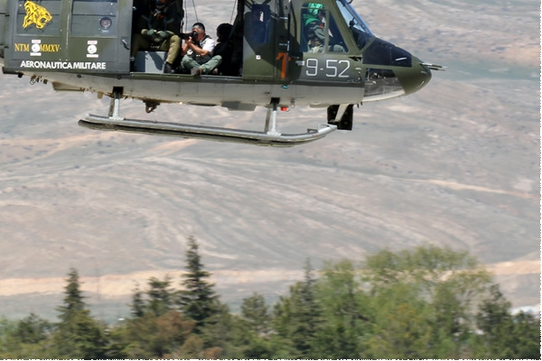 8550c-Agusta-Bell-AB212AM-Italie-air-force