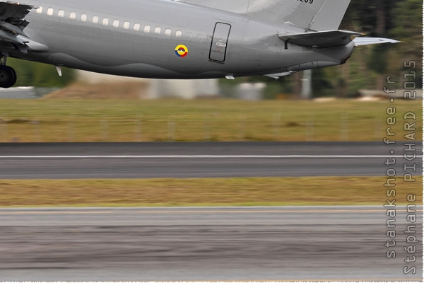 8651c-Boeing-737-400-Colombie-air-force