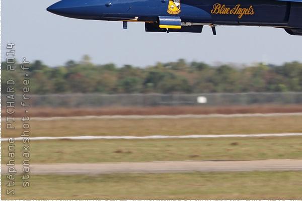 Photo#8036-3-McDonnell Douglas F/A-18C Hornet