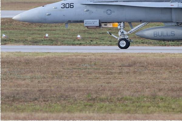 Photo#8323-3-McDonnell Douglas F/A-18C Hornet