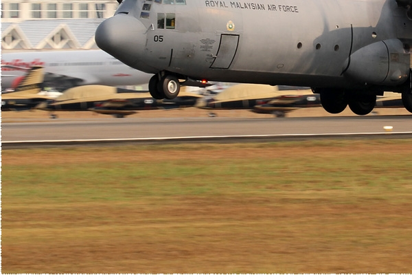 8451d-Lockheed-C-130H-30-Hercules-Malaisie-air-force