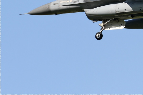 8569d-General-Dynamics-F-16C-Night-Falcon-Turquie-air-force
