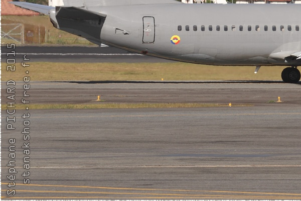 8650d-Boeing-737-400-Colombie-air-force