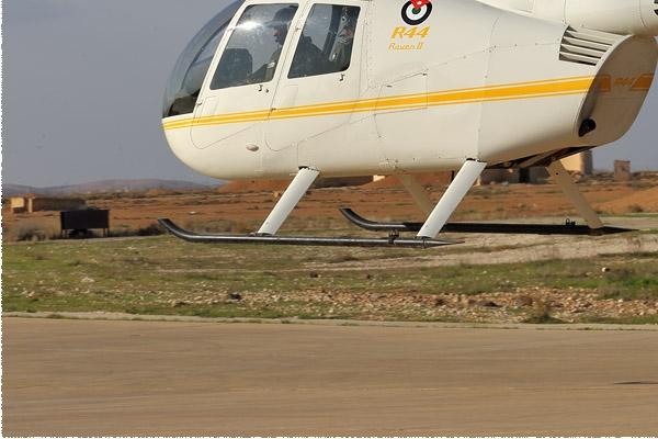 8912d-Robinson-R44-Raven-II-Jordanie-air-force
