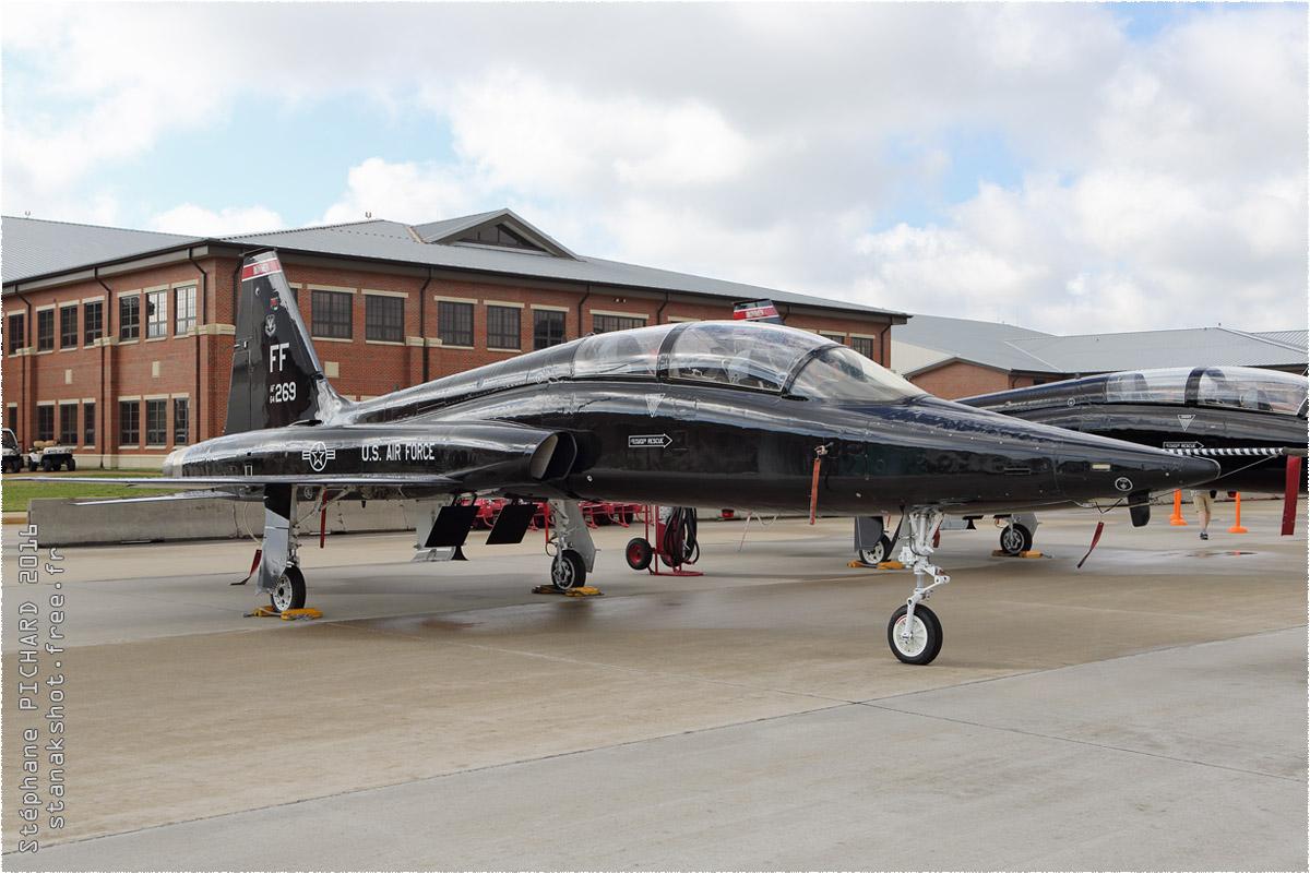 tof#9077 T-38 de l'US Air Force au statique à Langley (VA, USA) en 2016