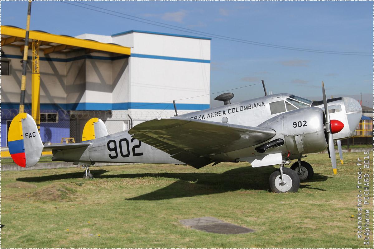 tof#9634_Beech 18_de la Force aérienne colombienne