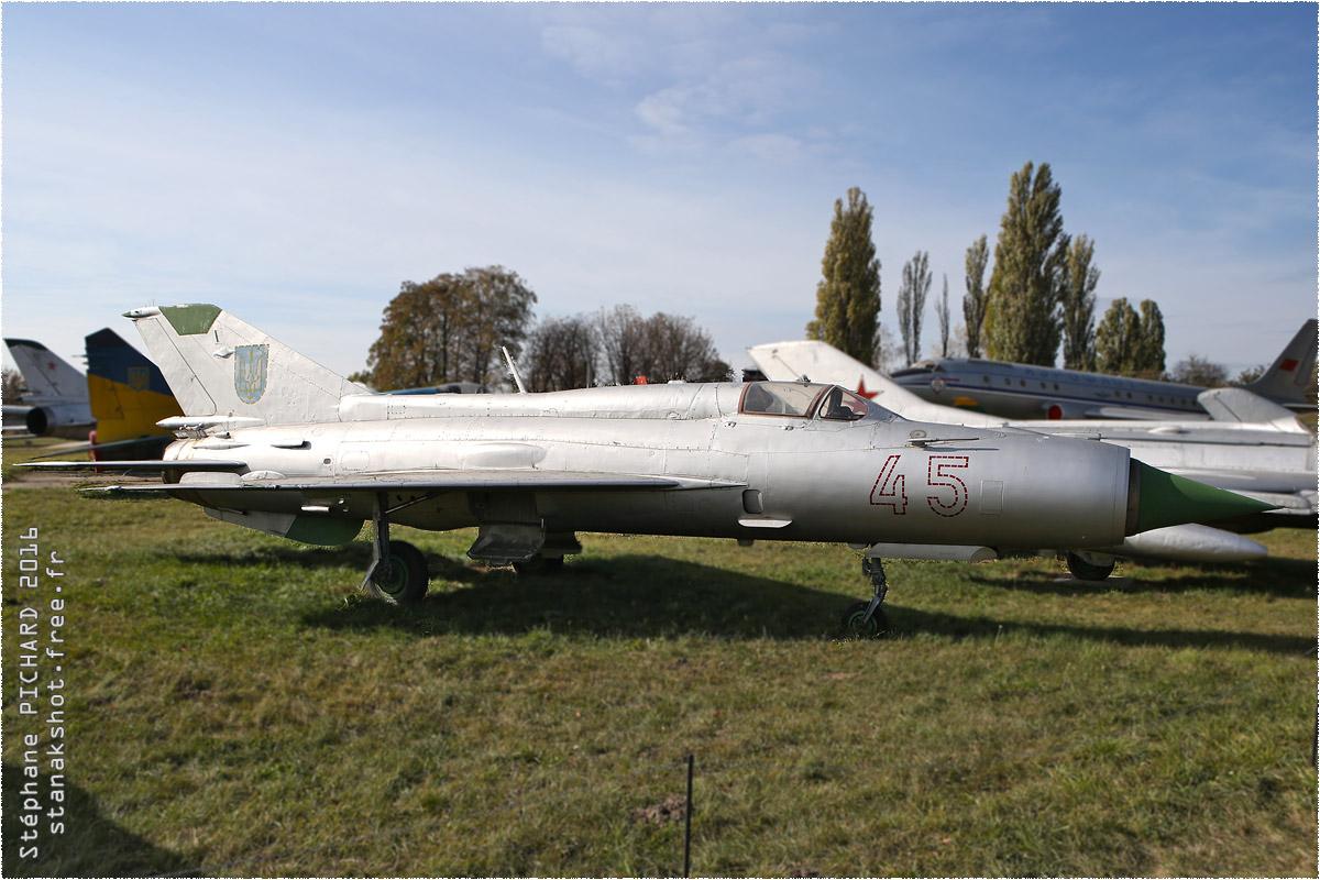 tof#9650_MiG-21_de la Force aérienne ukrainienne