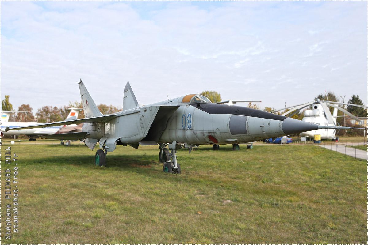 tof#9651_MiG-25_enregistré en Ukraine