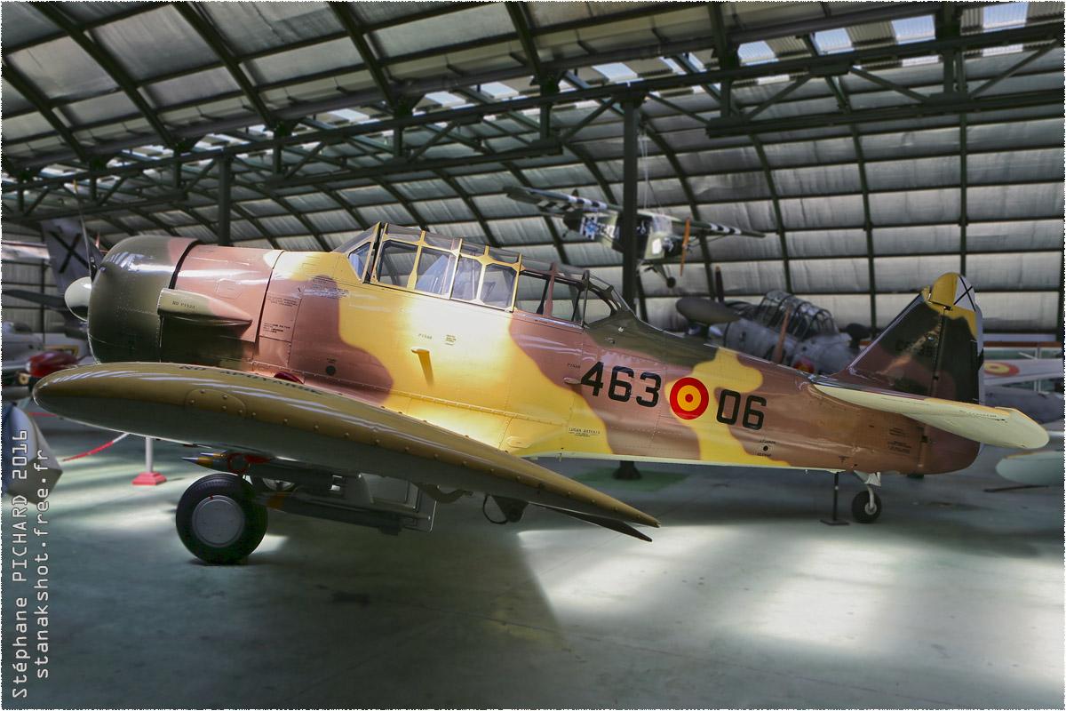 tof#9725 T-6 de la Force aérienne espagnole au statique à Museo del Aire, Cuatro Vientos (Espagne)