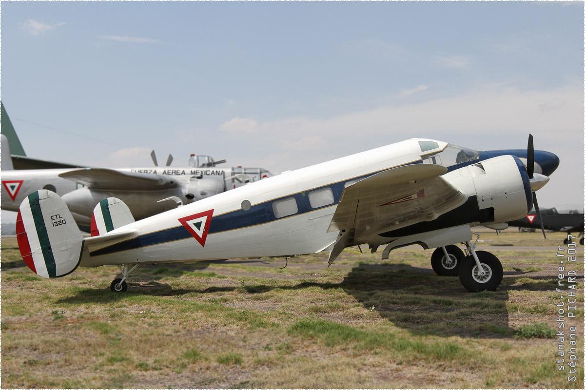 tof#9820_Beech 18_de la Force aérienne mexicaine