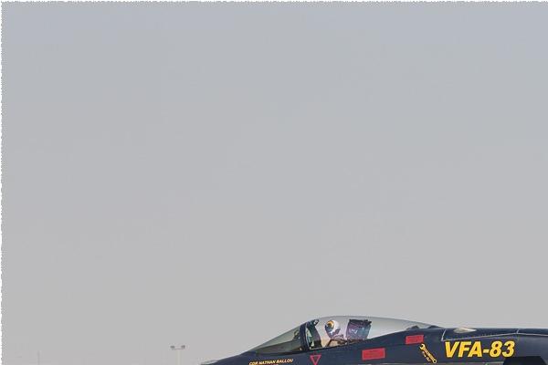 9006a-McDonnell-Douglas-F-A-18C-Hornet-USA-navy