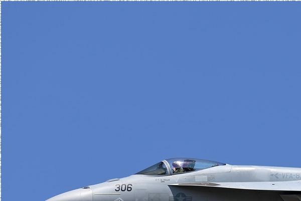 Photo#9136-1-Boeing F/A-18E Super Hornet
