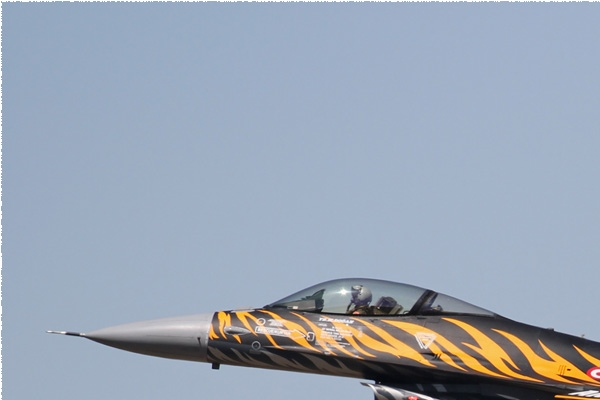 Photo#9355-1-General Dynamics F-16C Fighting Falcon