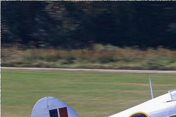 9577a-Hawker-Hurricane-IIB-Royaume-Uni