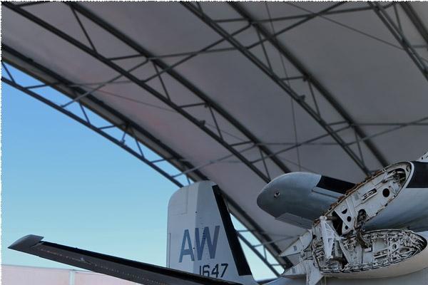Photo#9785-1-Grumman S-2E Tracker