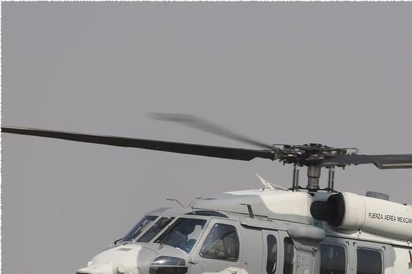 Photo#9800-1-Sikorsky UH-60M Black Hawk