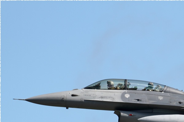 Photo#9949-1-General Dynamics F-16BM Fighting Falcon