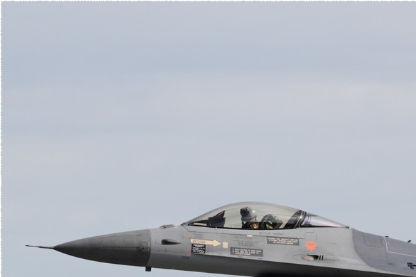 9951a-General-Dynamics-F-16AM-Fighting-Falcon-Pays-Bas-air-force