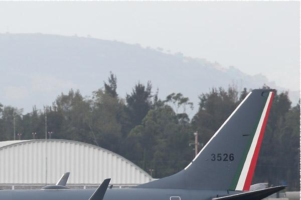 Photo#9791-2-Boeing 737-800