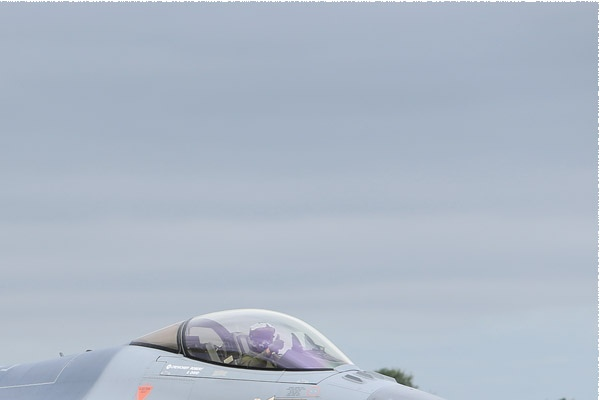 Photo#9950-2-General Dynamics F-16AM Fighting Falcon