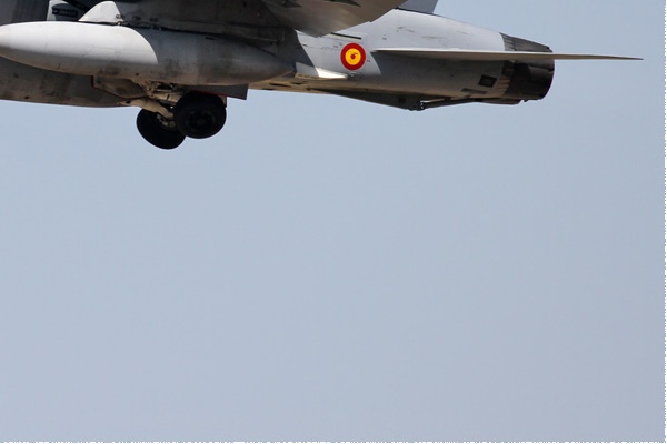 Photo#9335-4-McDonnell Douglas EF-18A Hornet