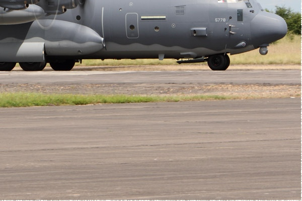 Photo#9370-4-Lockheed Martin MC-130J Commando II