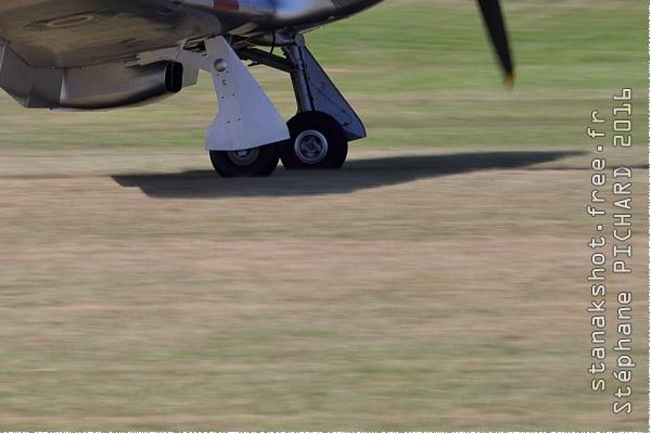 9577c-Hawker-Hurricane-IIB-Royaume-Uni