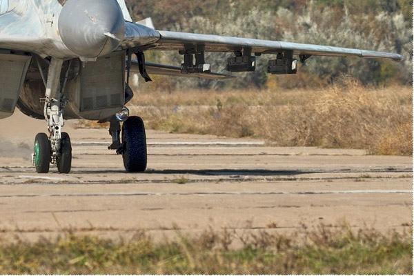 Photo#9704-4-Mikoyan-Gurevich MiG-29S