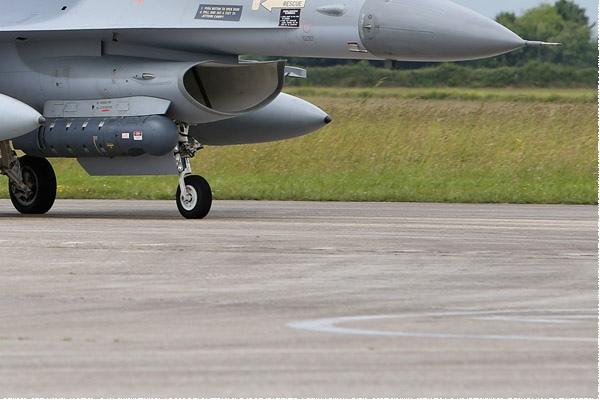 Photo#9950-4-General Dynamics F-16AM Fighting Falcon