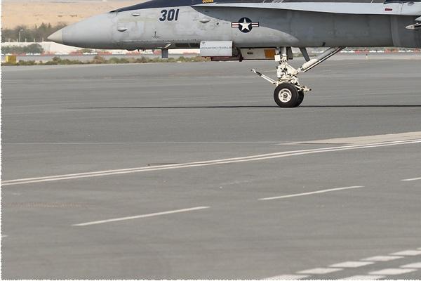 9006d-McDonnell-Douglas-F-A-18C-Hornet-USA-navy