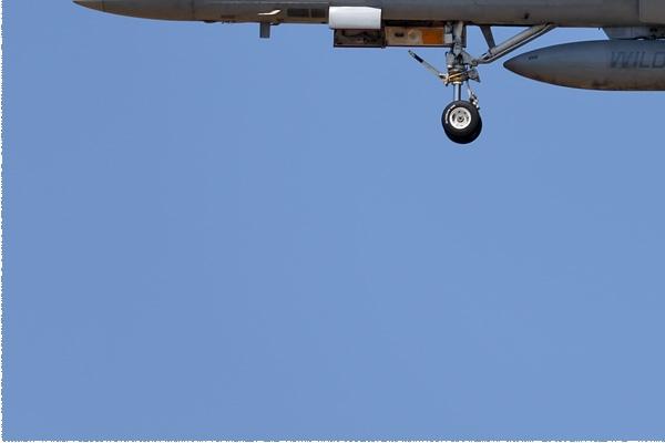 Photo#9129-3-McDonnell Douglas F/A-18C Hornet