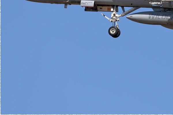 Photo#9132-3-McDonnell Douglas F/A-18C Hornet