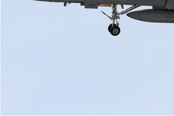 Photo#9140-3-McDonnell Douglas F/A-18C Hornet