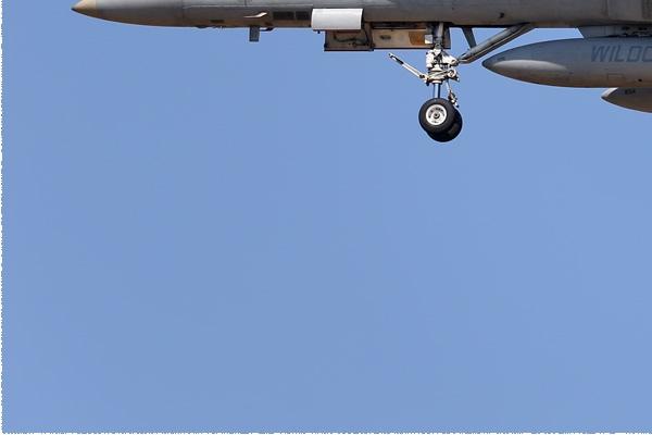 Photo#9141-3-McDonnell Douglas F/A-18C Hornet