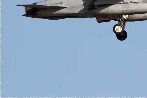 9143d-McDonnell-Douglas-F-A-18C-Hornet-USA-navy