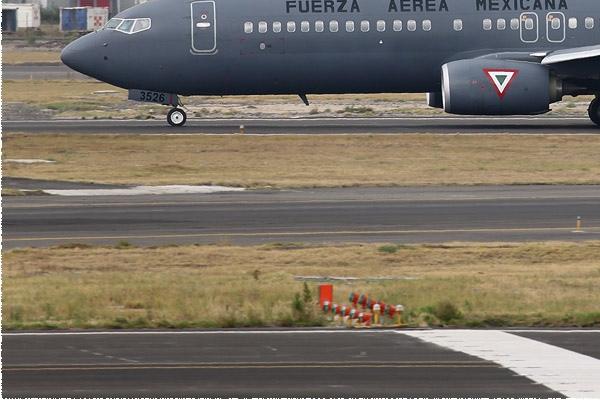 Photo#9791-3-Boeing 737-800