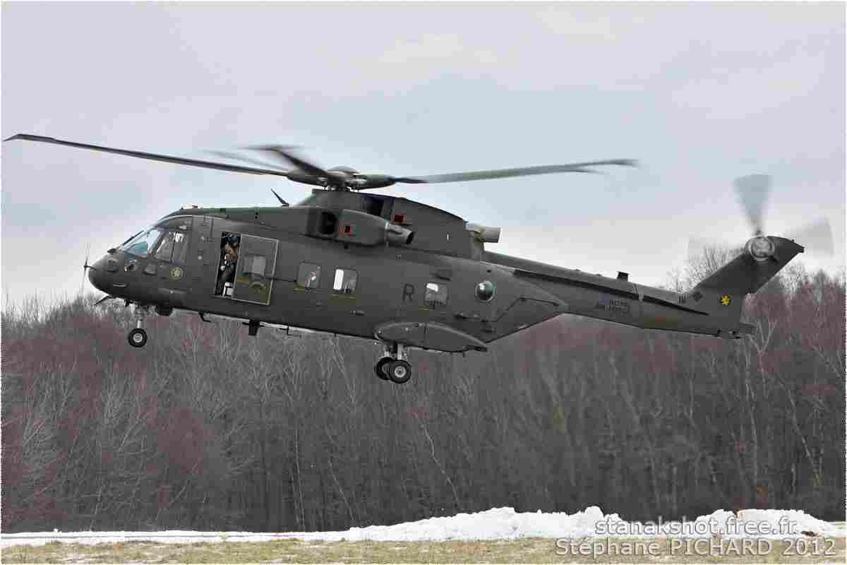 tofcomp#250 Merlin de la Force aérienne royale britannique au décollage à Deauville (FRA) en 2012