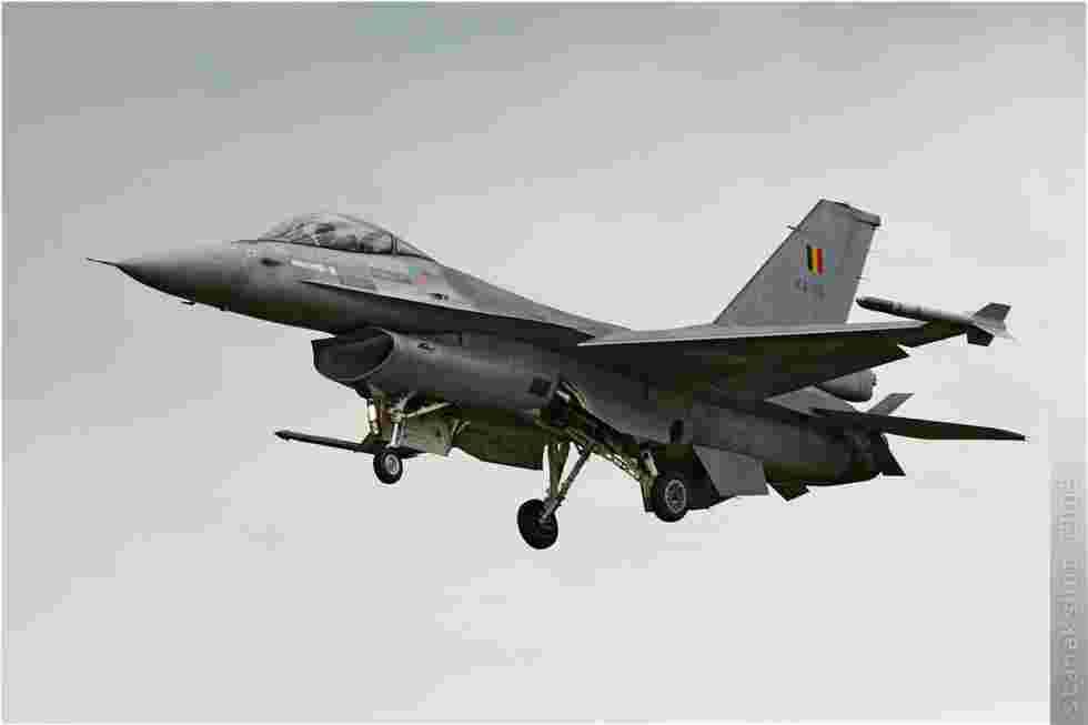 tofcomp#407 F-16 de la Force aérienne belge à l'atterrissage à Kleine-Brogel (BEL) en 2005