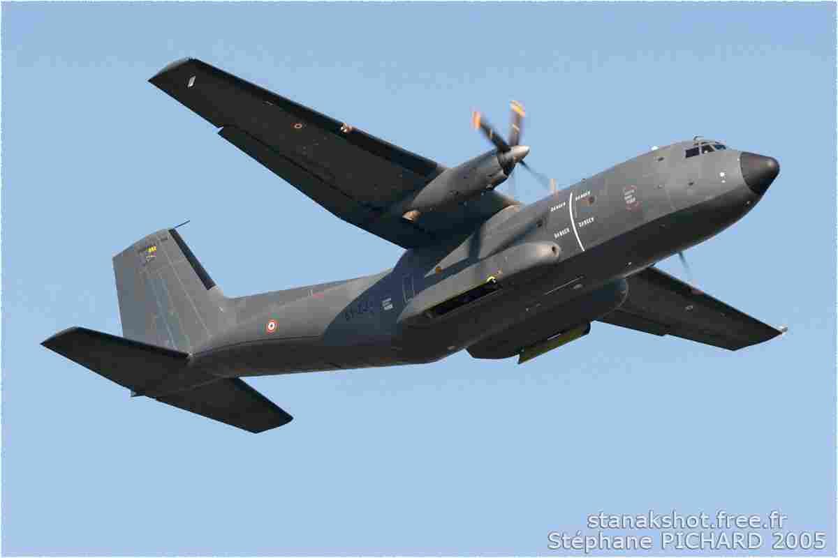 tofcomp#803 Transall de l'Armée de l'Air française au décollage à Cazaux (FRA) lors du MNA 2005