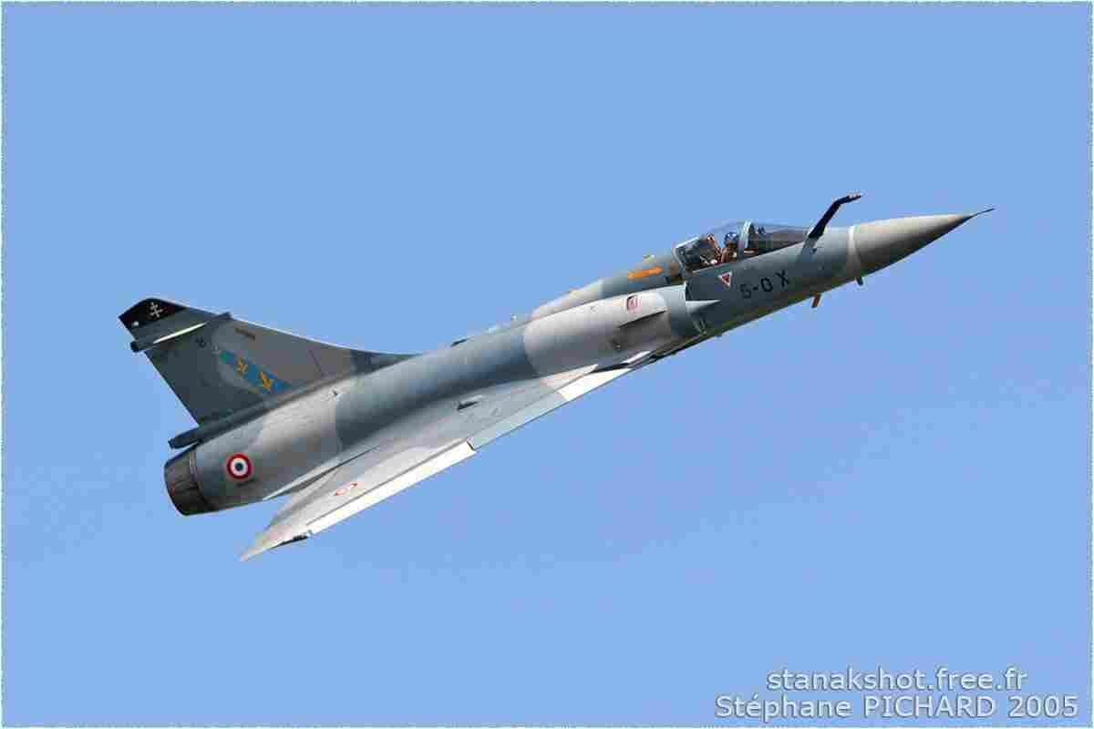 tofcomp#851 Mirage 2000 de l'Armée de l'Air française en vol solo à Cazaux (FRA) lors du MNA 2005