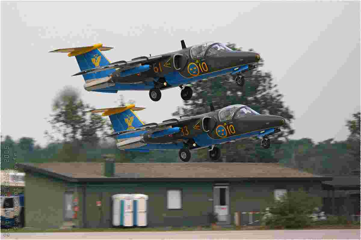 tofcomp#1170 Saab 105 de la Force aérienne suédoise en patrouille à Rivolto (ITA) en 2005