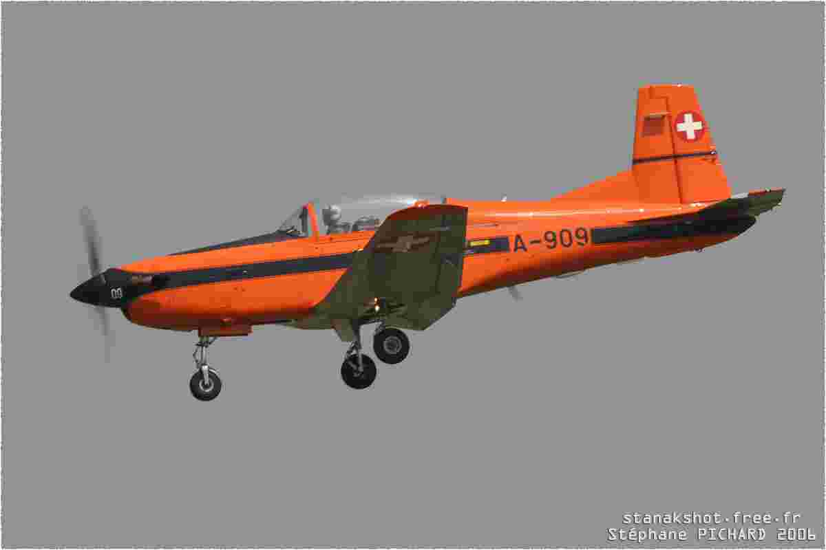 tofcomp#1500-PC-7-Suisse-air-force