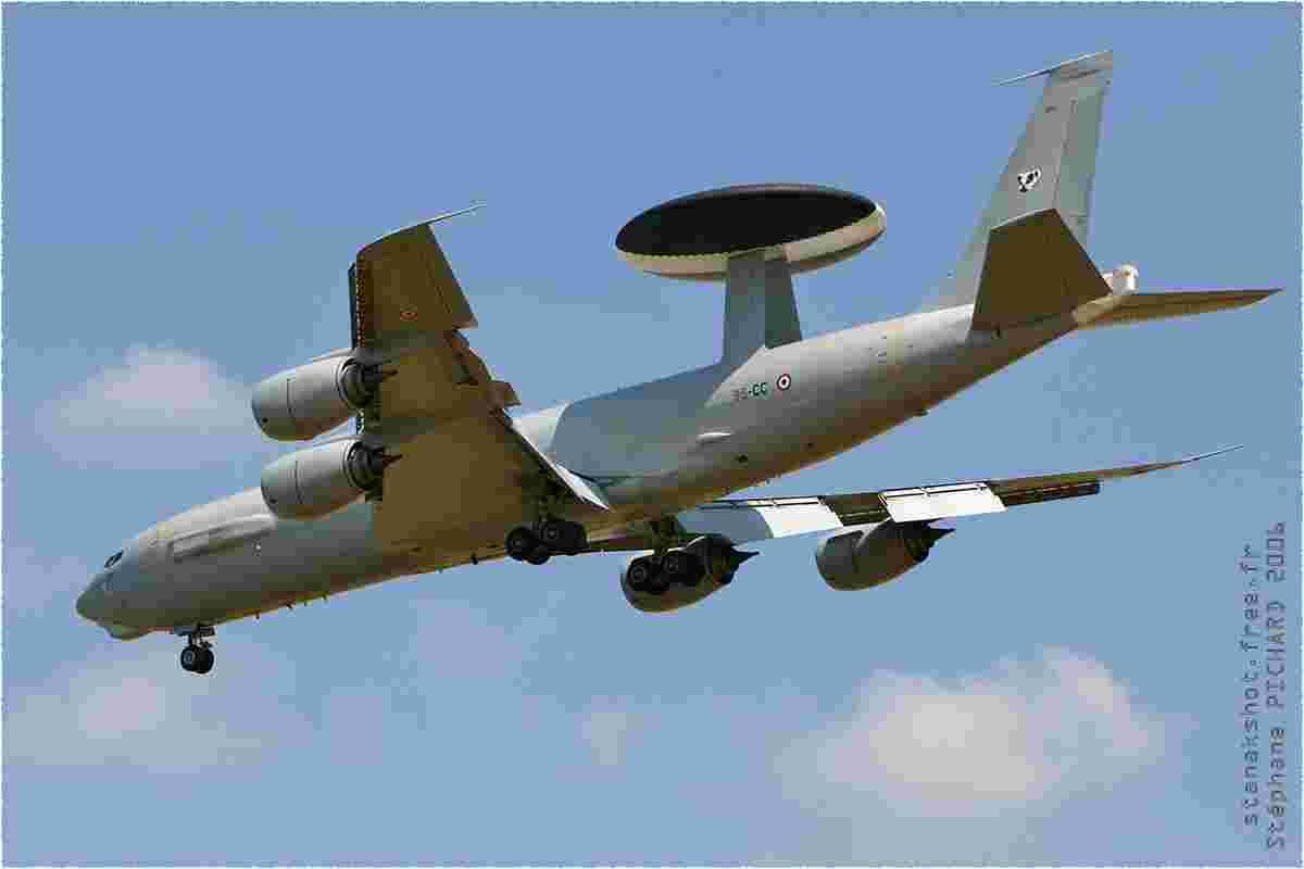 tofcomp#1556 B707 de l'Armée de l'Air française à l'atterrissage à Evreux (FRA) en 2006