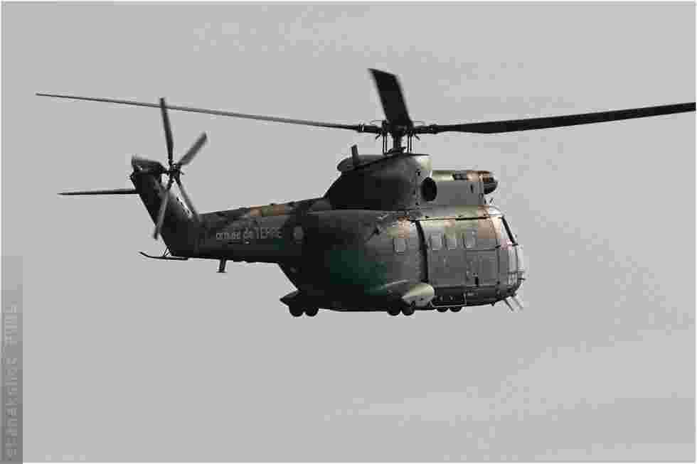 tofcomp#1877 Puma de l'Aviation légère de l'Armée de terre française en passage bas à Deauville (FRA) en 2006