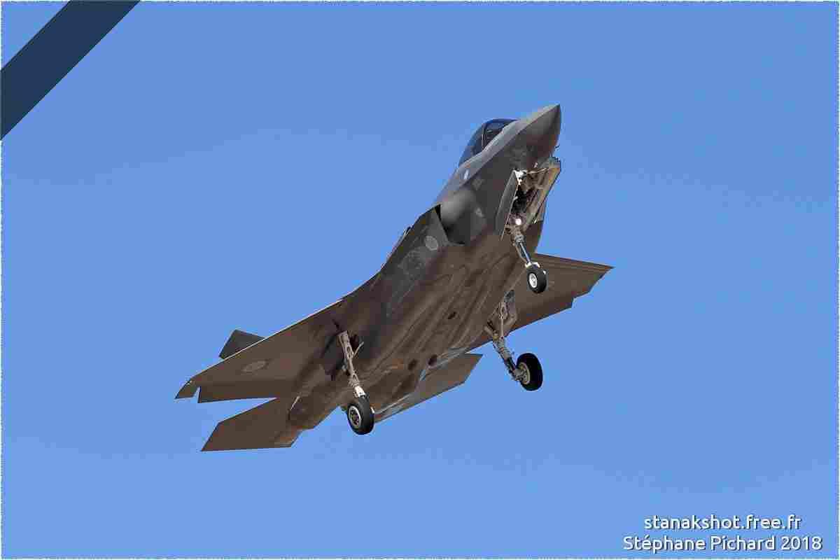tofcomp#10957 F-35 de la Force aérienne d'autodéfense japonaise à l'atterrissage à Luke (AZ, USA) en 2018