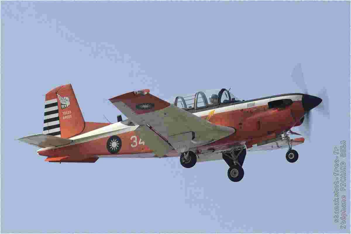 tofcomp#11361 T-34 de la Force aérienne de la République de Chine à l'atterrissage à Gangshan (TWN) en 2018