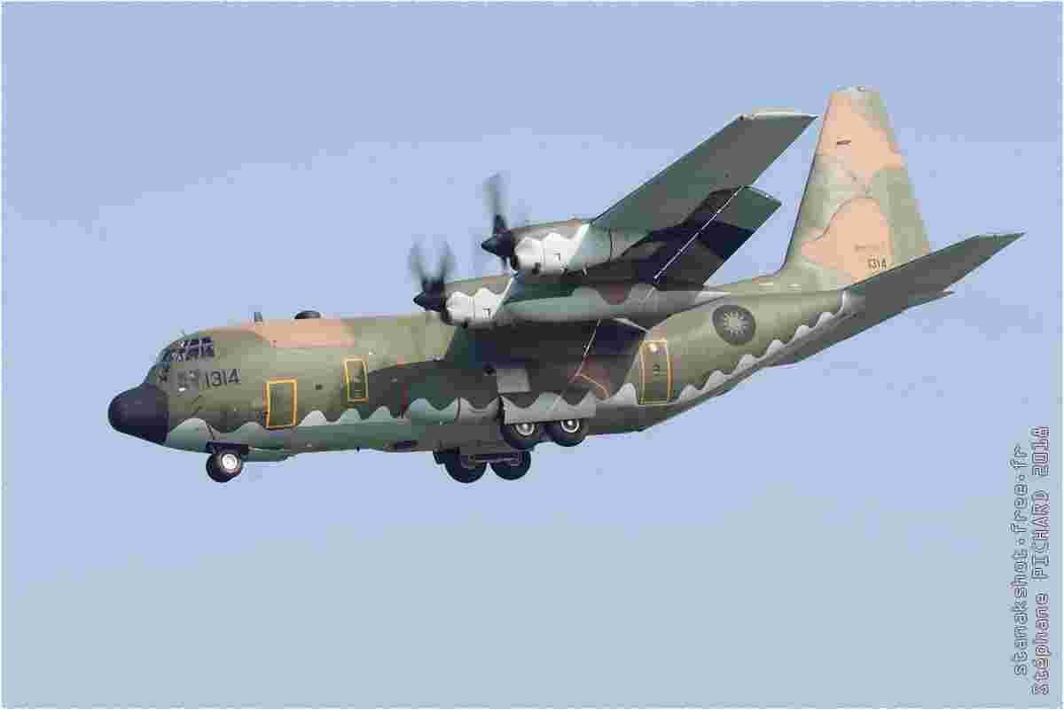 tofcomp#11523 C-130 de la Force aérienne de la République de Chine à l'atterrissage à Pingtung (TWN) en 2018